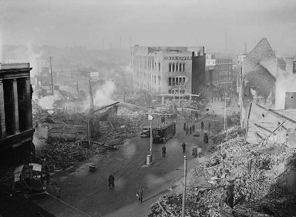 הריסות שכונה בקובנטרי, תוצאה של הפצצה גרמנית, צילום: Imperial War Museum