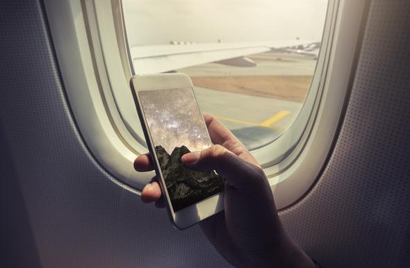 טלפון במטוס? ודאו שאינו מחובר לרשת