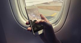 סמארטפון מובייל מטוס טיסה, צילום: שאטרסטוק