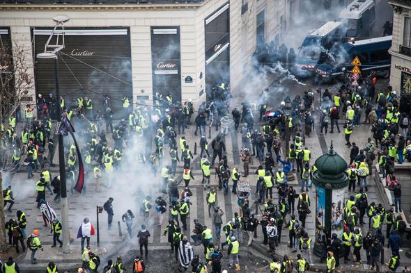 מהומות בפריז, צילום: אי פי איי