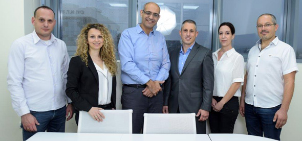 OncoHost's team: Eyal Ya'akov (left), Ella Farmer, Yuval Shaked, Dror Yegar, Shani Raveh, and Eran Issler. Photo: PR