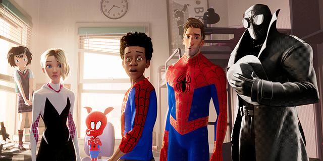 """ספיידרמן הופך לנער שחור ב""""ממד העכביש"""""""