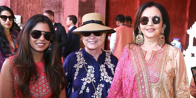 מביונסה ועד הילארי קלינטון: בתו של האיש העשיר בהודו מתחתנת וכולם מתייצבים