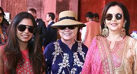 משמאל אישה אמבאני הילרי קלינטון ו ניטה אמבאני, צילום: רויטרס