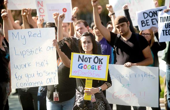 הפגנה של עובדי גוגל נגד מדיניותה בתחום ההטרדה המינית