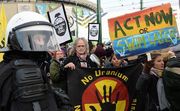 מפגינים נגד ההתחממות הגלובלית