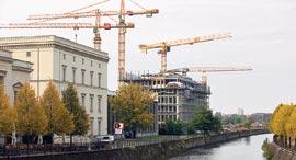 אתר בנייה בברלין, צילום: בלומברג