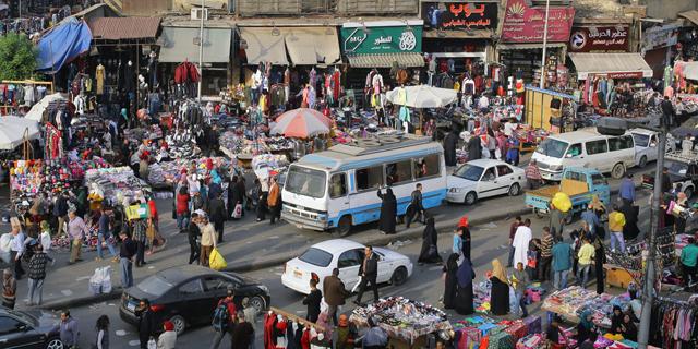 מצרים מצאה איך למנוע מחאה נגד השלטון: אוסרת על מכירת אפודים צהובים