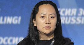 """מנג וואנז'ו סמנכ""""לית הכספים של וואווי, צילום: אי פי איי"""