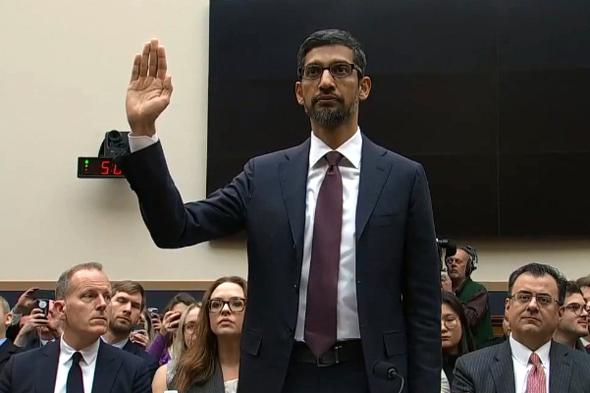 """סונדאר פיצ'אי מנכ""""ל גוגל בעדות בקונגרס האמריקאי"""
