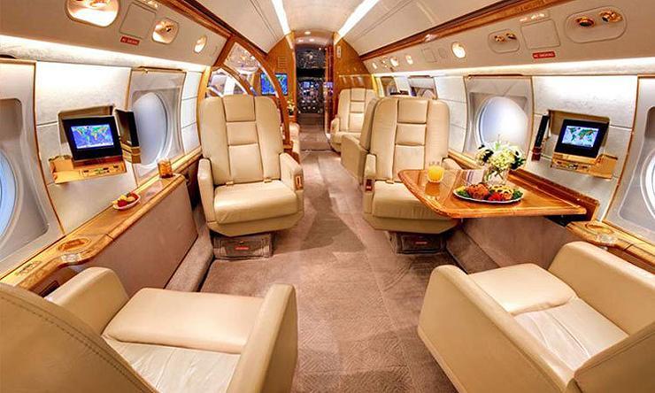 מבט מבפנים על המטוס הפרטי. שוויו נאמד ב-15 מיליון דולר. מסי ישכור אותו תמורת 630 אלף דולר לשבוע