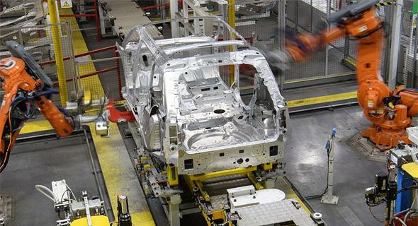 מפעל יגואר לנד רובר. קיצוץ של אלפי משרות, צילום: גטי אימג