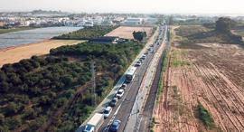 מוסף שבועי 20.11.18 פליטי הפקקים פקק תנועה ב צורן, צילום: יאיר שגיא