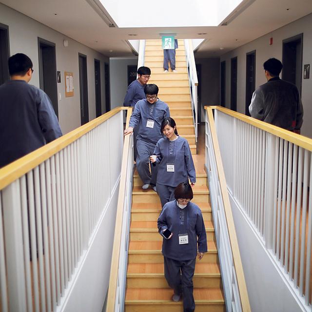 מוסף שבועי 20.11.18 הכלא הוא החופש המושלם אסירים כלא ב קוריאה, צילום: רויטרס