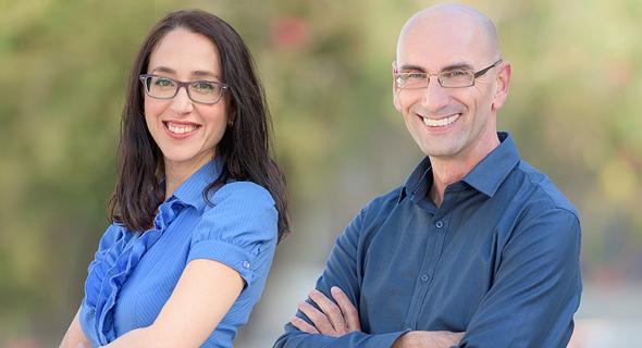 גיא סרוק מנהל חטיבת היועצים, ומירב גלבוע מנהלת משאבי אנוש