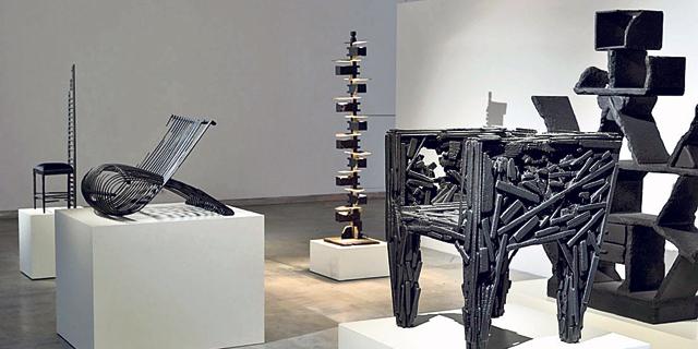 המעצב מרטן באס מחפש עוקבים במוזיאון