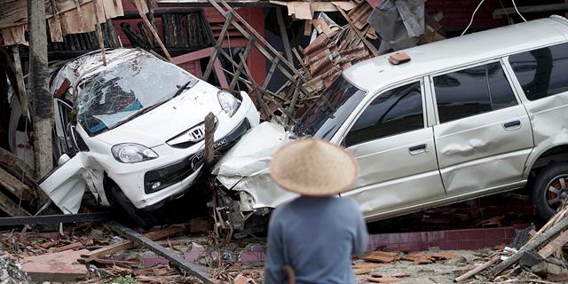 צונאמי פגע במהלך הופעה: 168 הרוגים באינדונזיה