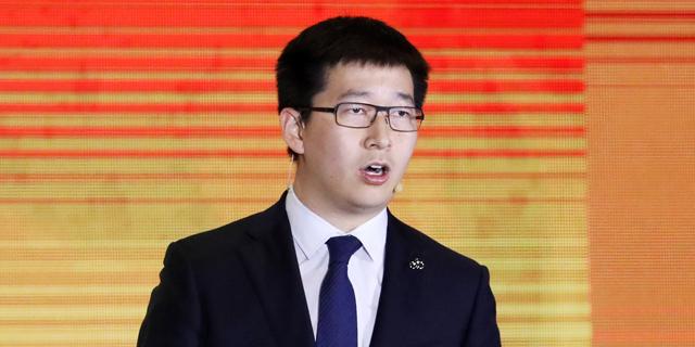 """מחאה חברתית בסגנון סיני, או: למה נאסר על מנכ""""ל Ofo לשחק גולף?"""
