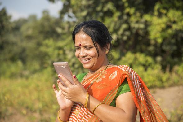 ציפוי דוחה שומן לסורק טביעות האצבע הוא התאמה לשוק ההודי שבו אוהבים לאכול בידיים, צילום: שאטרסטוק