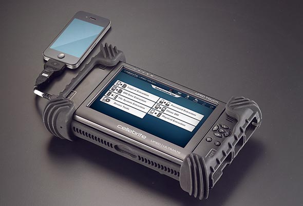 UFED Touch של סלברייט, מכשיר מוקדם לקריאת נתונים ממכשירים סלולריים