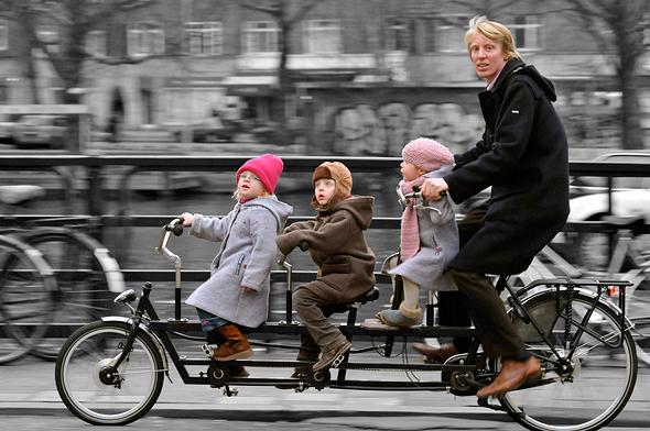 משפחה ברכיבה משותפת, צילום: flickr