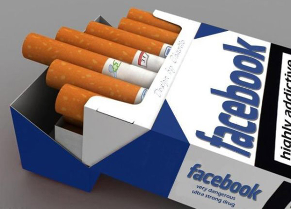 התמכרות לפייסבוק, צילום מסך: pewpewpics.com