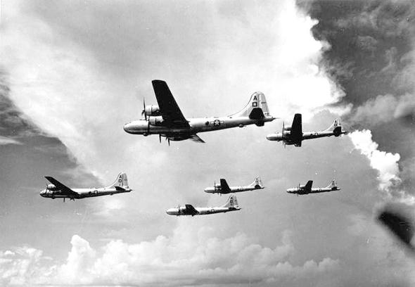 מפציצי B29 באוויר, צילום: (USAF (wikimedia