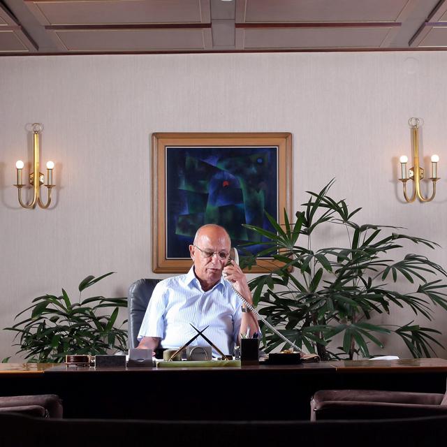 מוסף שבועי 3.1.19 בודד בראש המגדל שלמה אליהו, צילום: עמית שעל