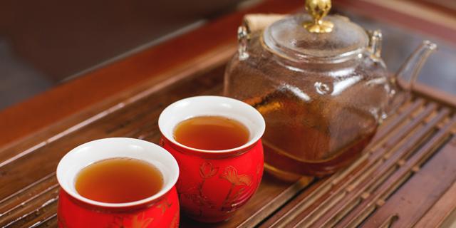 """צעירי סין התמכרו לתה לימון: """"עדיף ממריחואנה"""""""