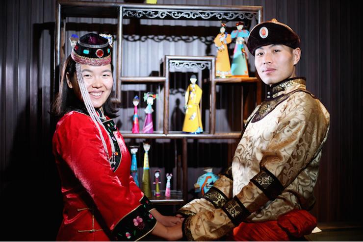 חה טאו ג'י יוטינג בבגדי מיעוטים