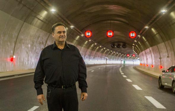 ישראל כץ שר ה תחבורה ב מקטע ה חדש של כביש שש, צילום: עידו ארז