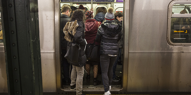 כך הצליחו 6 מהנדסים למנוע סגירת אחד מקווי הרכבת התחתית העמוסים בניו יורק