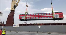 רכבת ישראל פריקה והתקנה של קרונות חדשים, צילום: דוברות רכבת ישראל, סיגל ספנות