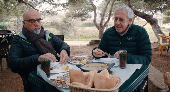 """אהרוני לצד גידי גוב ב""""מסע המופלא"""". """"היכולת שלי לפעול בהרבה פרויקטים במקביל היא הפרעת קשב שלמדתי לתעל"""""""