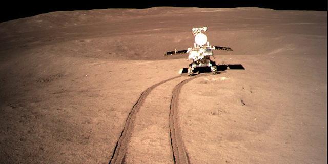 """איך סייעה ארה""""ב בלי כוונה לסין לכבוש את הצד האפל של הירח"""