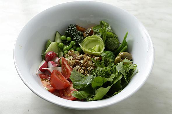 """מנת ירקות עונתיים ושיבולת שועל ב""""איגרא רמא"""", צילום: עמית שעל"""