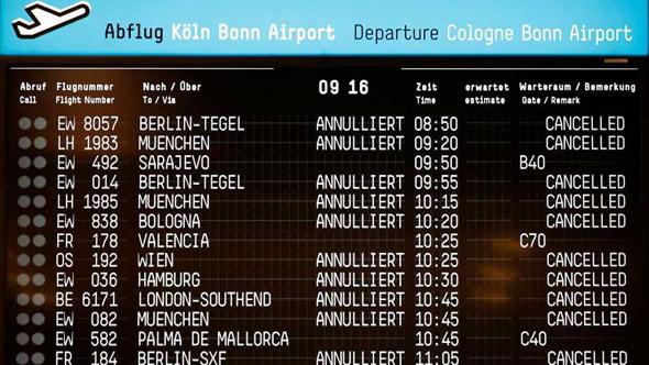 הטיסות בוטלו. מה עכשיו?, צילום: רויטרס