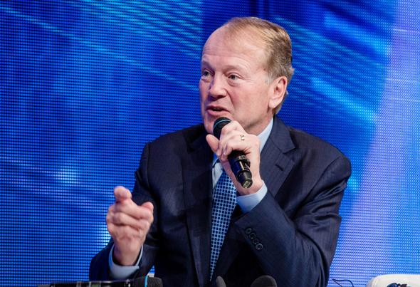 """וג'ון ציימברס מנכ""""ל שמכרה את NDS, צילום: בלומברג"""