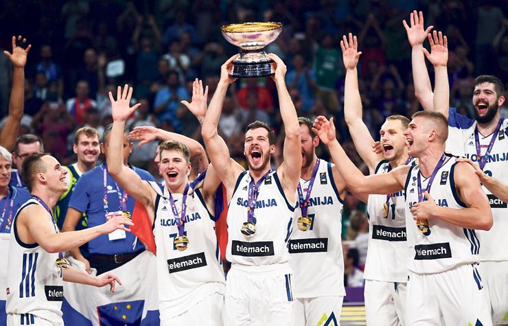 דונצ'יץ' זוכה עם נבחרת סלובניה באליפות אירופה
