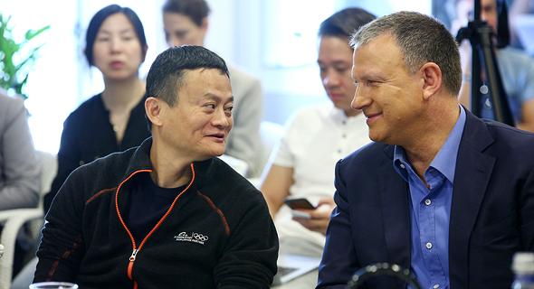Erel Margalit with Jack Ma. Photo: Dror Sithakol