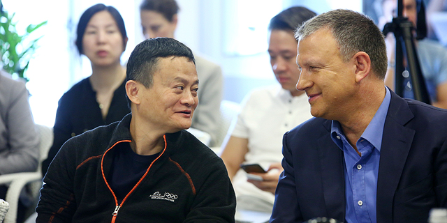 Erel Margalit with Jack Ma. Photo: Dror Sithakol