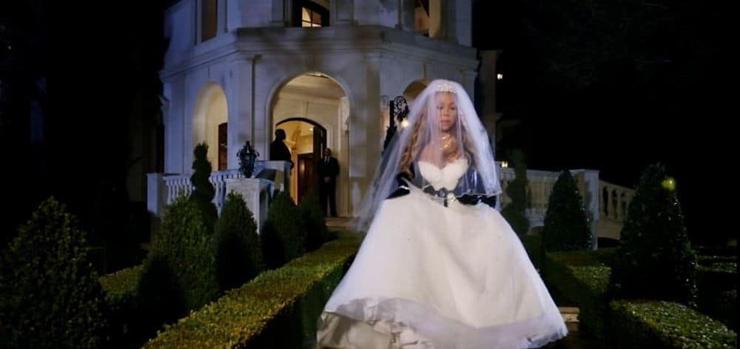 שמלת חתונה מריה קארי - עיצוב: ולנטינו
