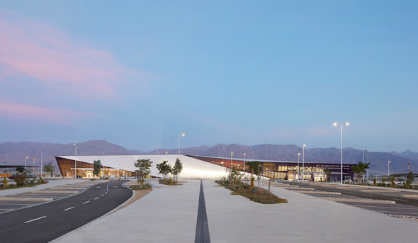 המסלול הוארך בהוראת שר התחבורה, צילום: מן שנער אדריכלים / Hufton+Crow Photography