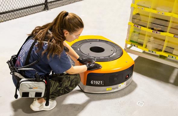 רובוטיקה מחסן אמזון רובוט , צילום: Amazon