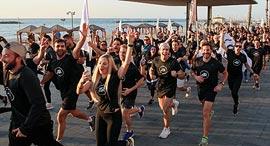 """קבוצת הריצה של אדידס של קים רכס. """"שיעורי ספורט הם טראומה"""", צילום: ORRO"""
