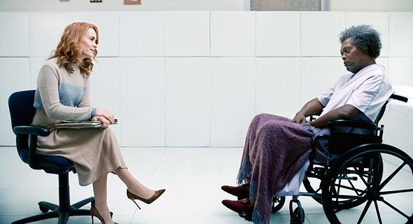 """סמואל ל' ג'קסון ושרה פולסון ב""""מיסטר גלאס"""". לא חדשני לטעון שחוברות קומיקס הן המציאות"""