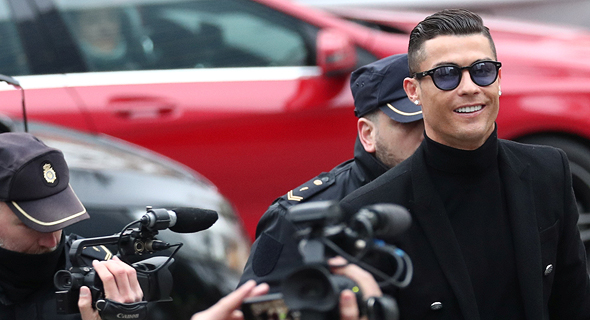 רונלדו מגיע לבית המשפט במדריד