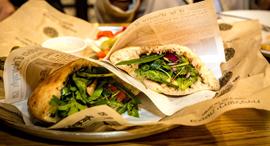פנאי אגמון מרקט פיתה בבסטה ירושלמית של אביב משה בהשראת המטבח המרוקאי, צילום: ארכיון אגמון מרקט