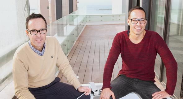 מימין: ניצן פרי וליאון אביגד, מבעלי מלונות בראון, צילום: אוראל כהן