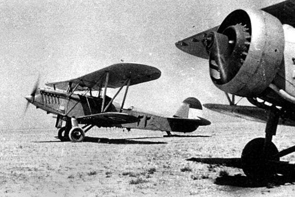 חיל האוויר האיראני, דור המייסדים: מטוסי פוליקרפוב, מעודפי מלחמת העולם הראשונה